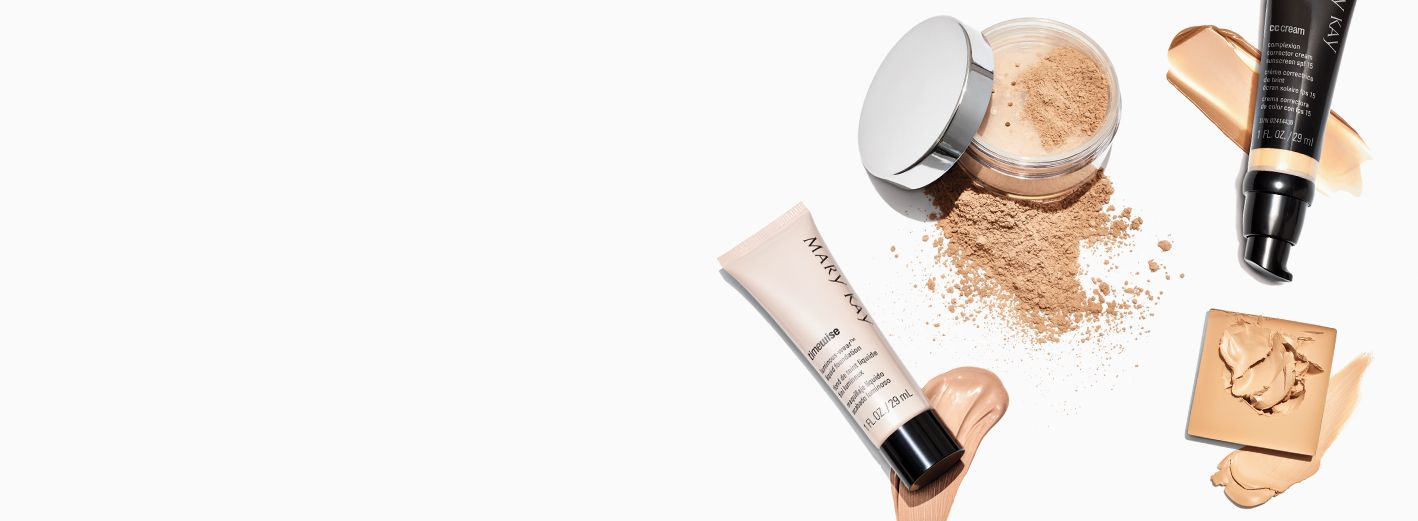 Ejemplos de bases de maquillaje Mary Kay®: Base líquida TimeWise®, base CC Cream Sunscreen Broad Spectrum SPF 15, base Endless Performance® Crème-to-Powder y base en polvo con minerales