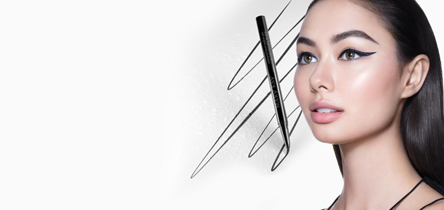 A model wears a bold cat eye look with the Mary Kay® Waterproof Liquid Eyeliner Pen.