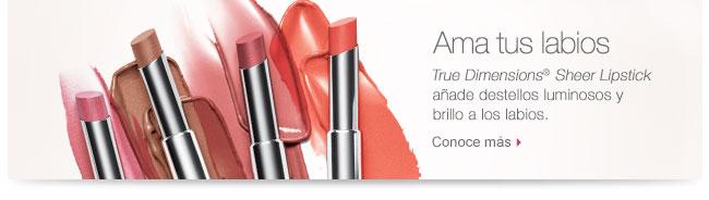 Ama tus labios True Dimensions® Sheer Lipstick añade destellos luminosos y brillo a los labios. Conoce más