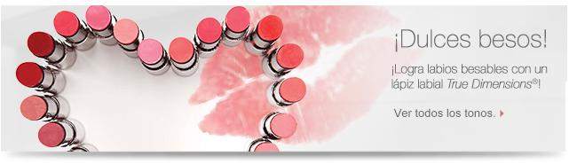 ¡Dulces  besos! ¡Logra labios besables con un lápiz labial True Dimensions®! Ver todos los tonos.