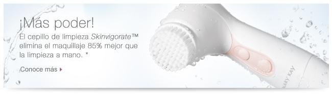 ¡Más poder! El cepillo de limpieza <i>Skinvigorate</i>™ elimina el maquillaje 85 mejor que la limpieza a mano. * Conoce más