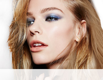 Get the step-by-step application tips for the True-Blue Glamour look created by Mary Kay Global Makeup Artist Keiko Takagi.